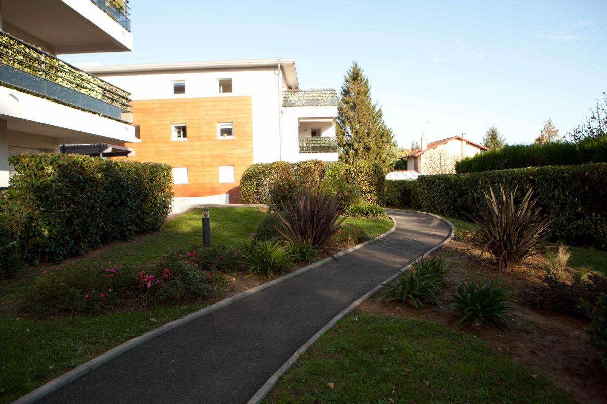 Jardin de charme for Entretien jardin bidart